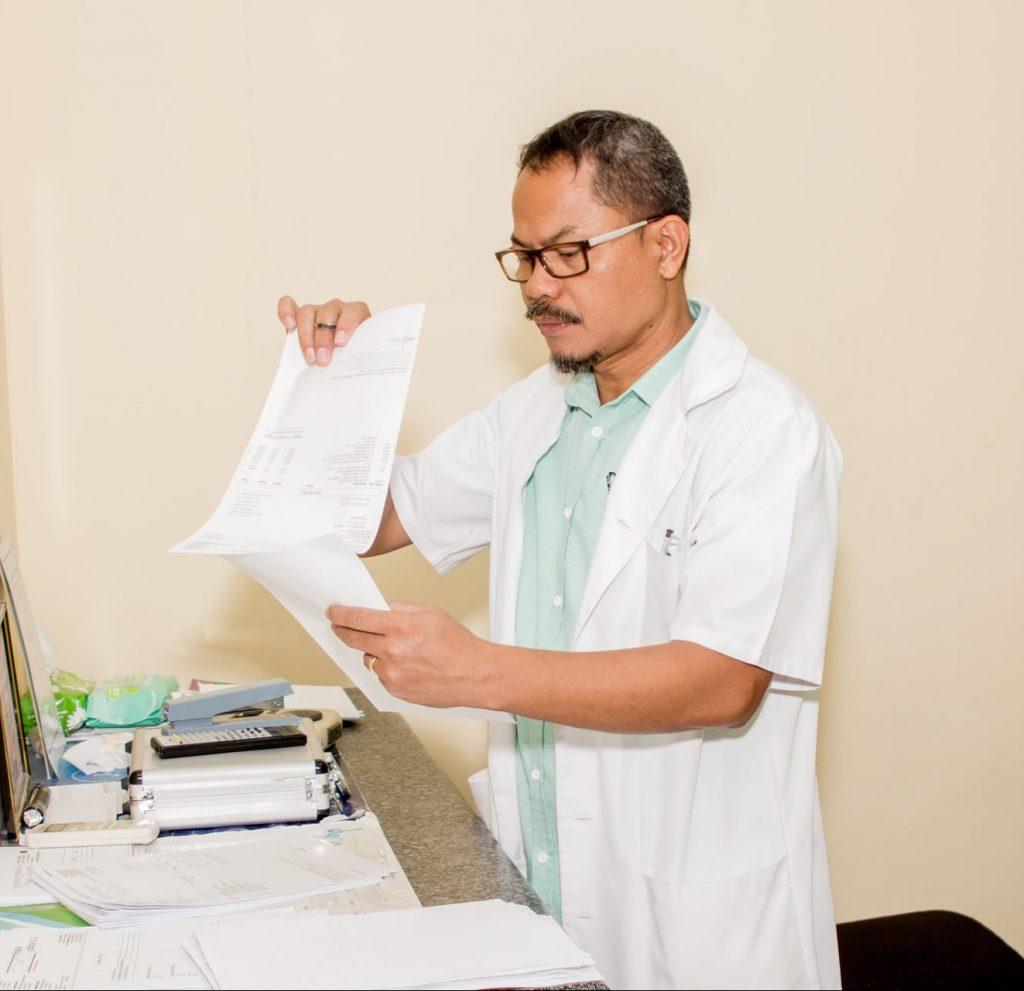 Dr. Raul Refugio